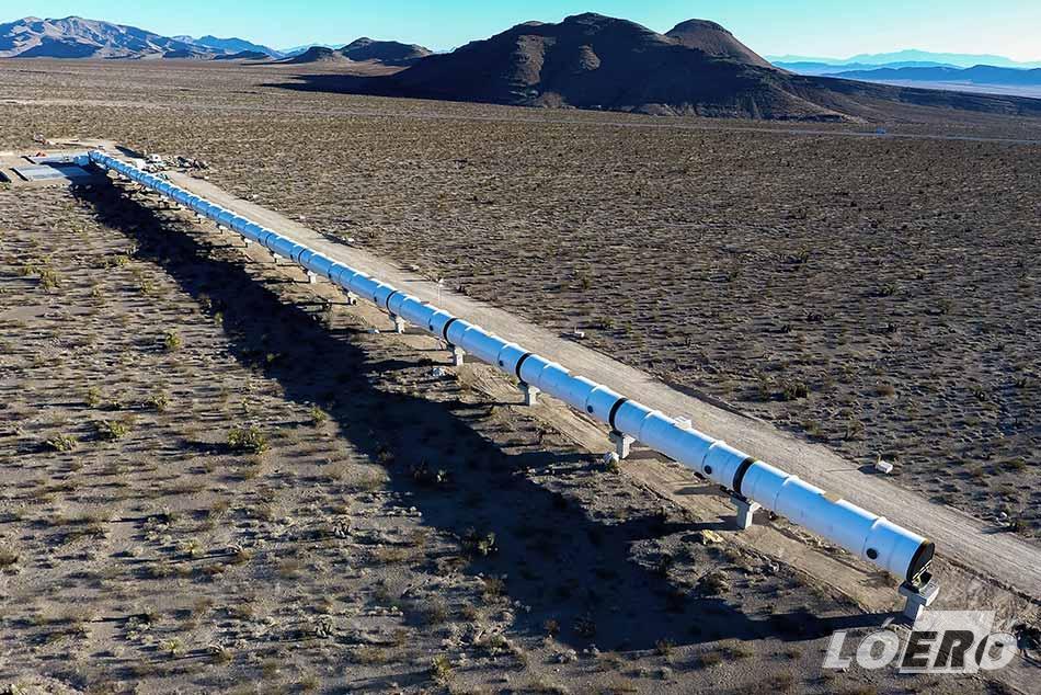 A Virgin féle Hyperloop One első tesztjei 2017-ben, ahol, bár csak egy rövid 300 méteres tesztalagútban, 310 km/órára sikerült felgyorsulni.