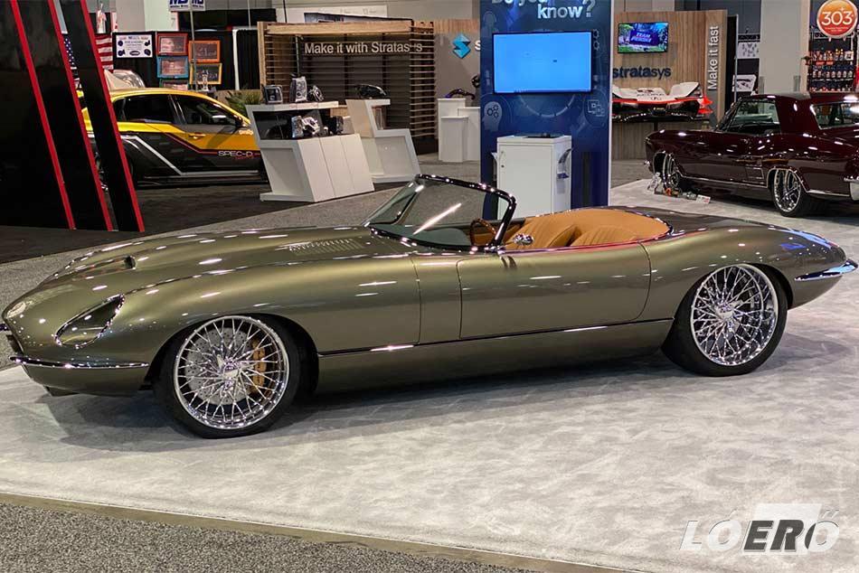A Jaguar E-Type coupe máig a legszebb autók közé tartozik. Bár ez átalakítás nélkül is igaz a remek formájú angolra.
