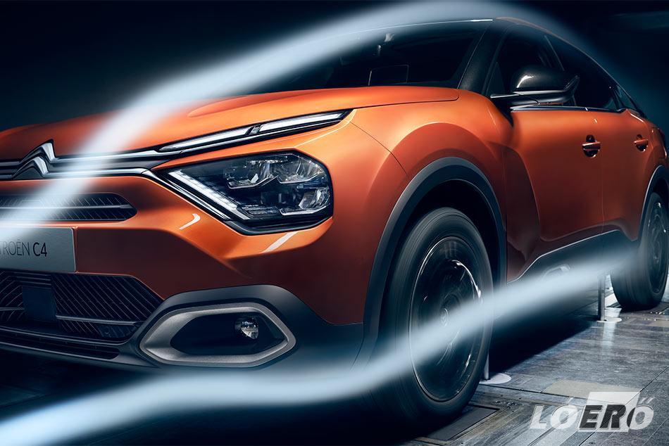 Az új Citroën C4 áramvonalas kialakítása amellett, hogy rendkívül kedvezően befolyásolja az autó légellenállását, a szemnek is jóleső formát varázsolt.