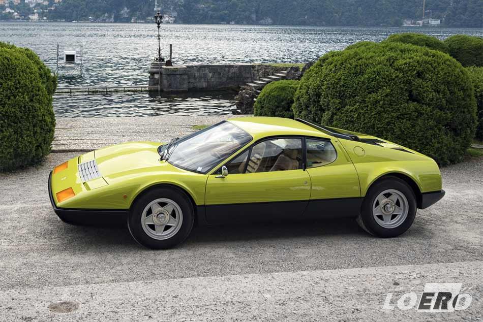 A 365-ös Ferrari veterán formája még ma is szívet dobogtató látvány.