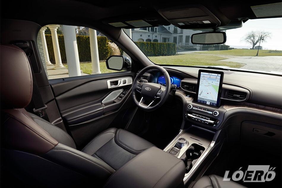 A nagyvonalú kényelem természetesen a Ford Explorer plug-in hybrid utasterében is adott.