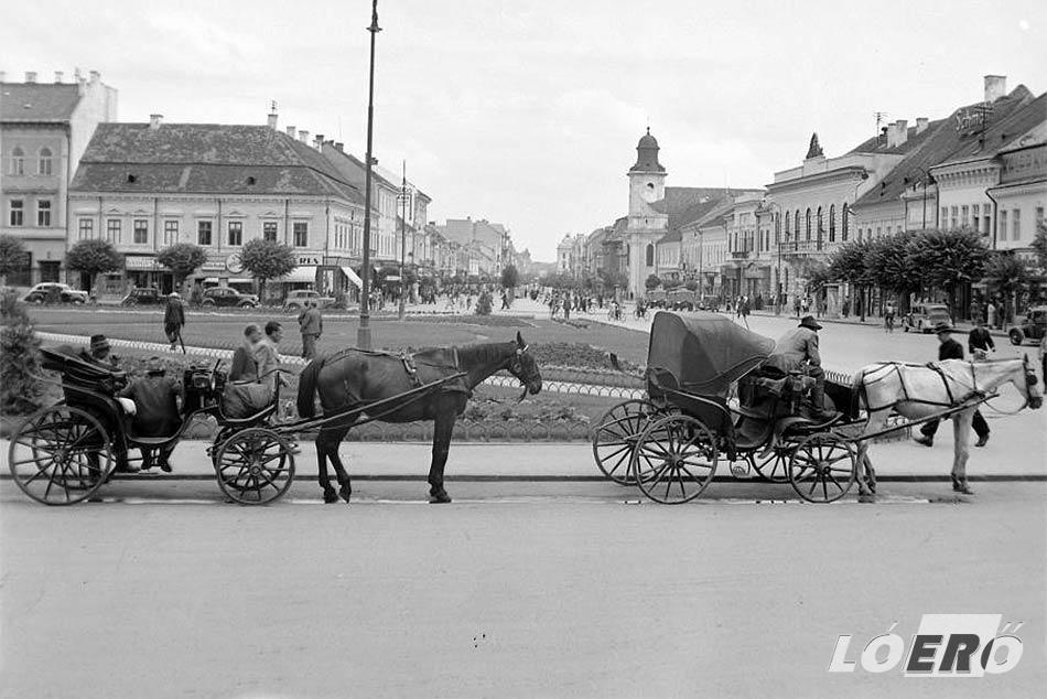 A városi bérkocsik szintén nélkülözhetetlen részeivé váltak a korabeli közlekedésnek.