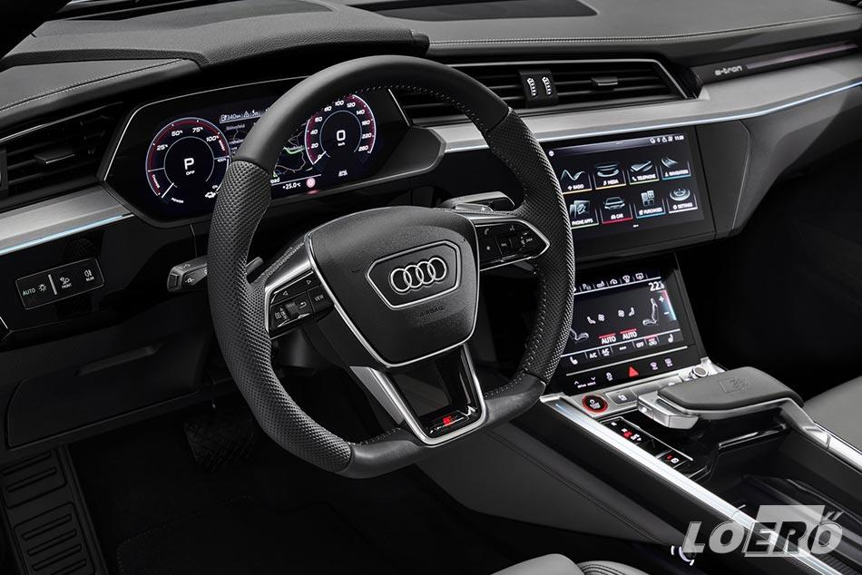 Biztos van, de azért elég nehéz lesz hibát találni az Audi e-tron S Sportback utasterében.